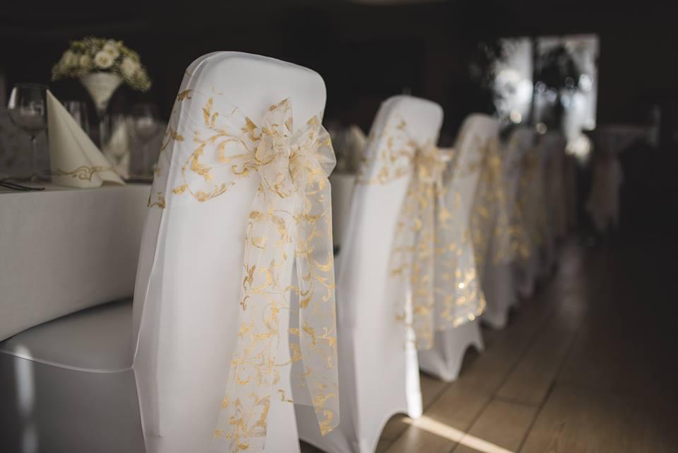 malá alebo veľká svadba - stolovanie