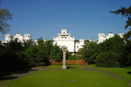 Rusovský kaštieľ, okolie Pontea